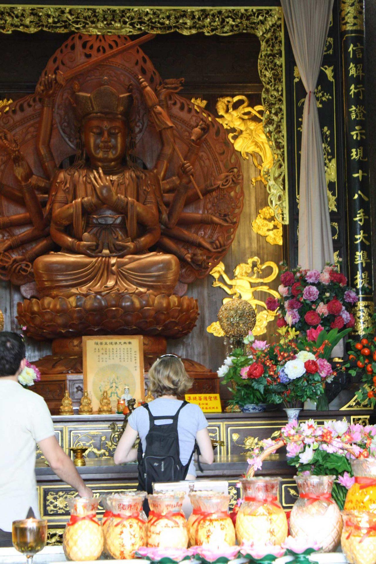 Penang bouddha buddha statue temple Kek lok si